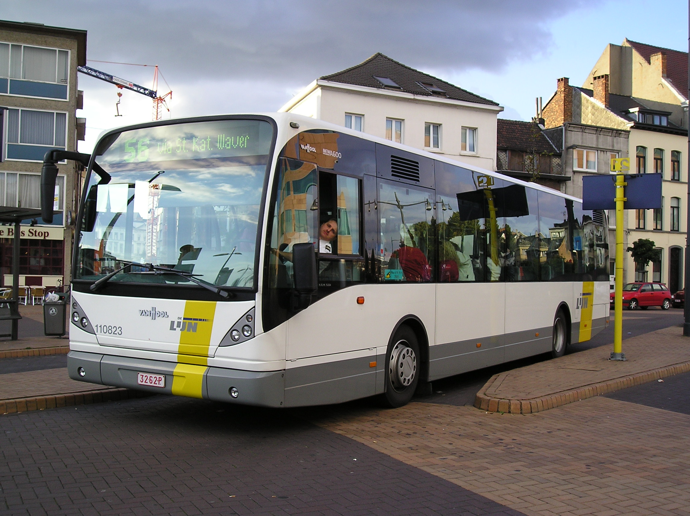 Vanhool bus photo - 1