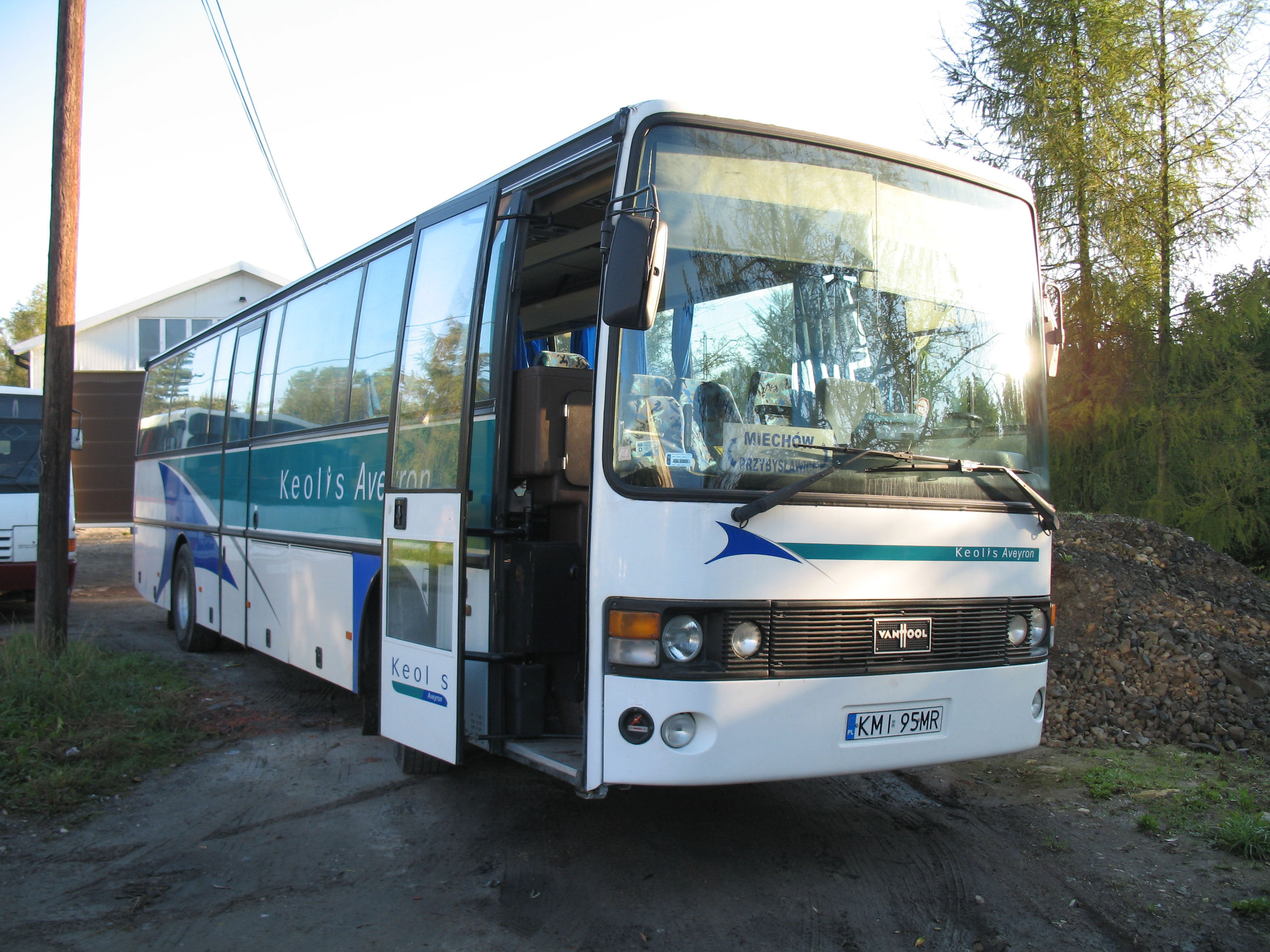 Vanhool bus photo - 4