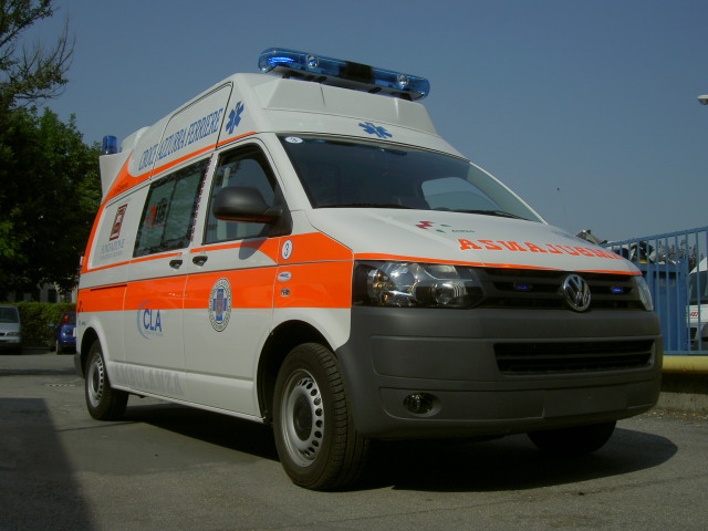 Volkswagen ambulanza photo - 2