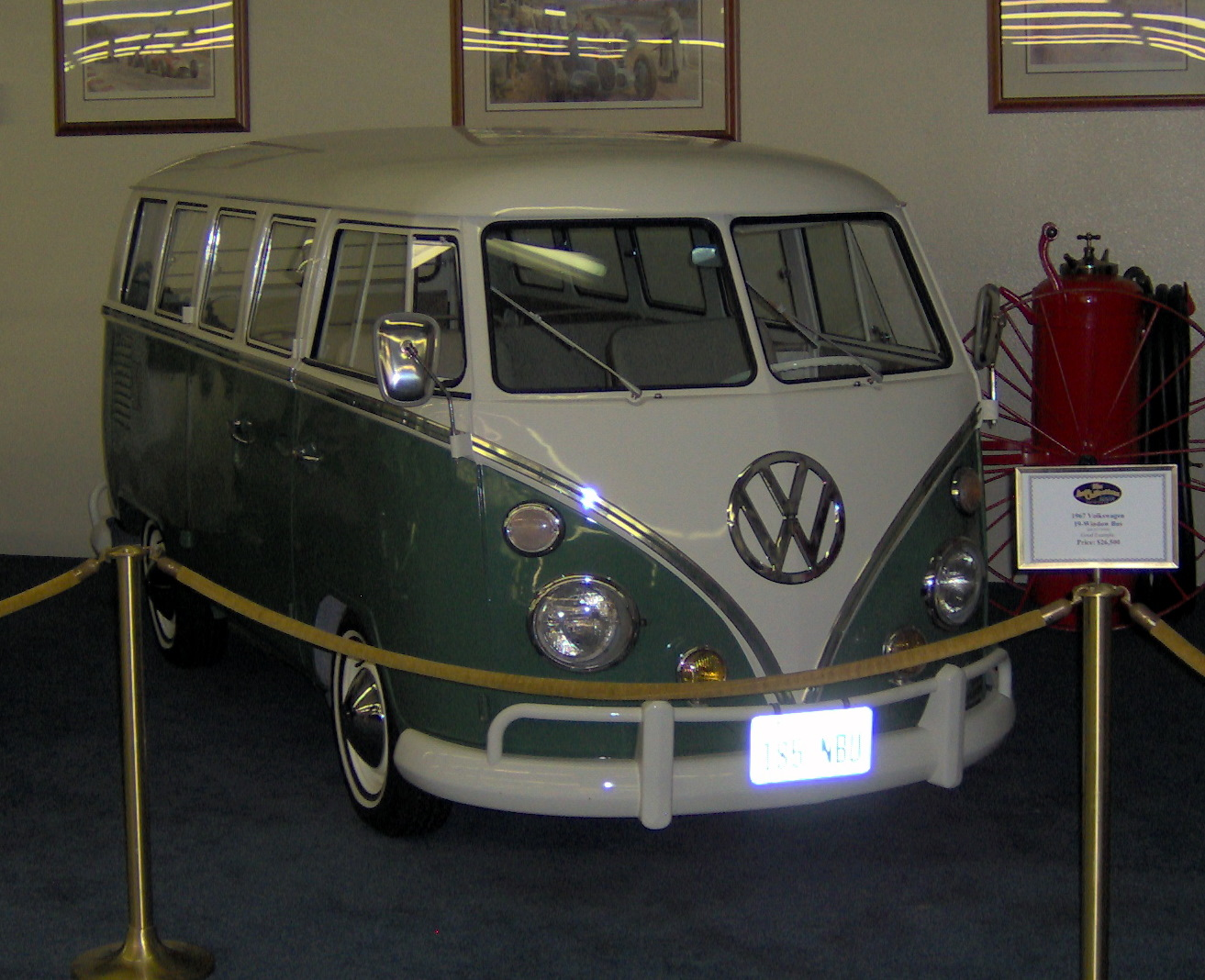 Volkswagen buss photo - 2
