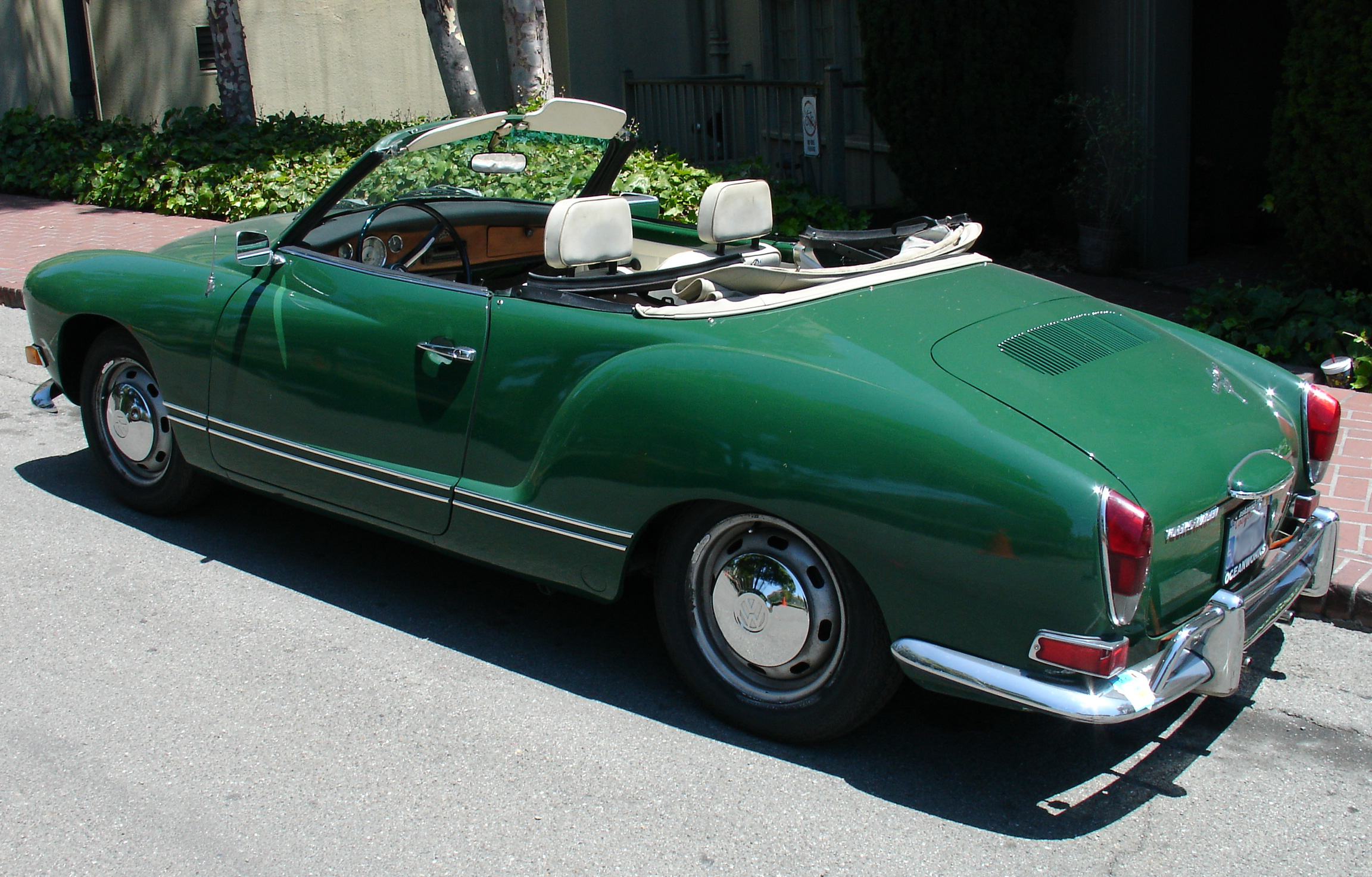 Volkswagen convertible photo - 3
