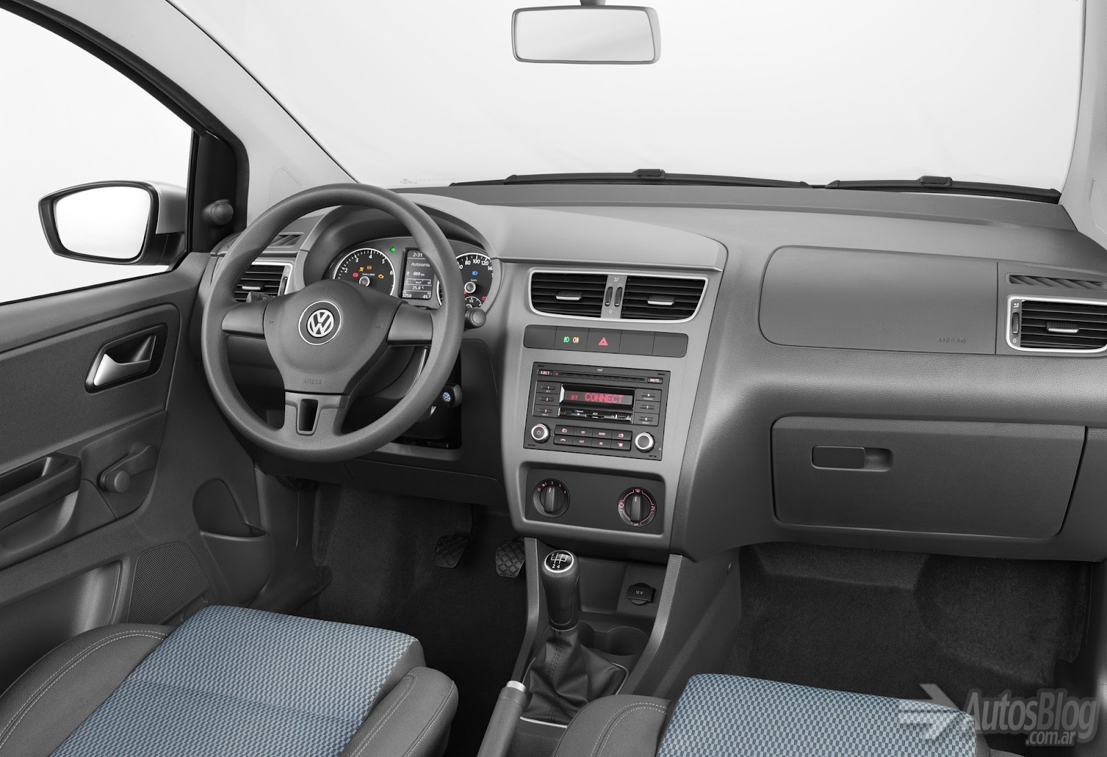 Volkswagen fox photo - 3