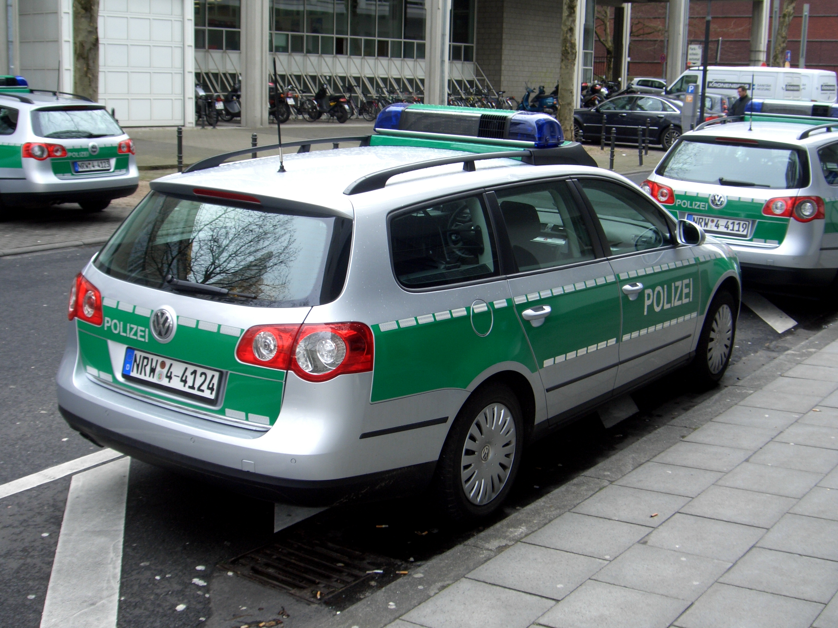 Volkswagen polizei photo - 1