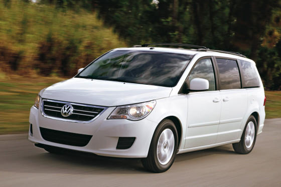 Volkswagen routan photo - 4