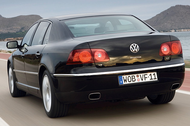 Volkswagen saloon photo - 3
