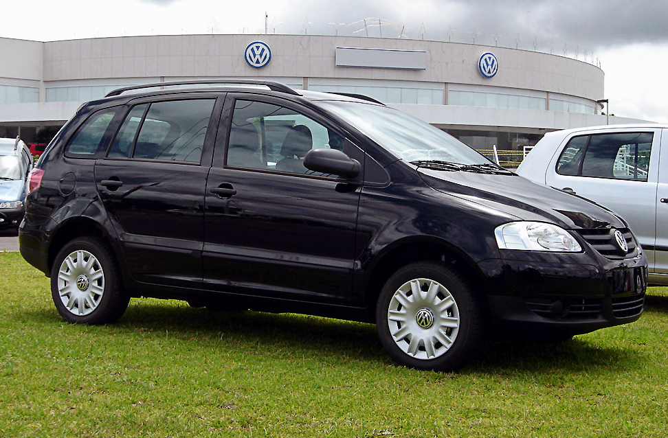 Volkswagen spacefox photo - 1