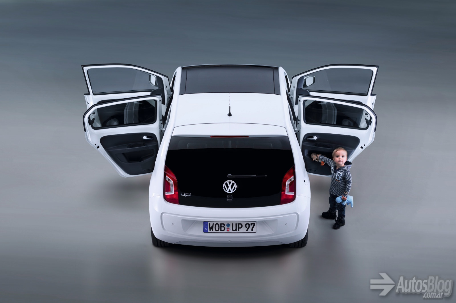 Volkswagen up! photo - 1