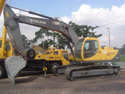Volvo ec240 photo - 3