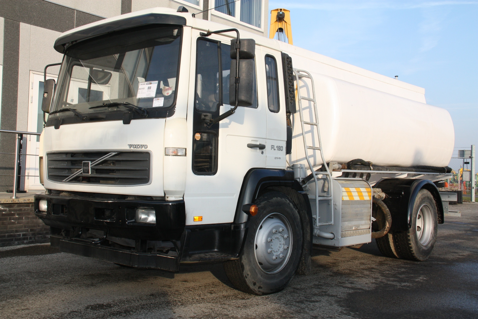 Volvo fl180 photo - 3