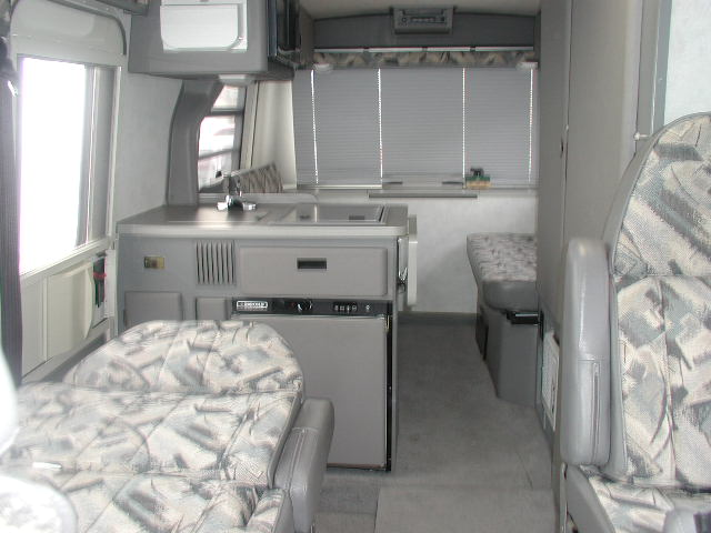 Winnebago rialta photo - 2