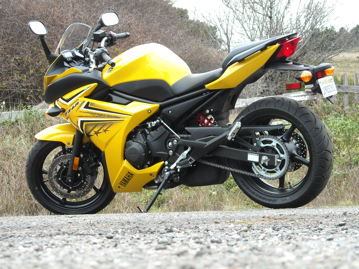 Yamaha fz6r photo - 1