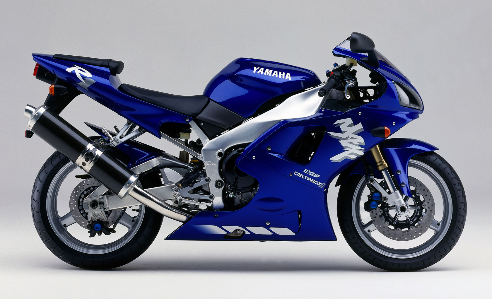 Yamaha r1 photo - 2