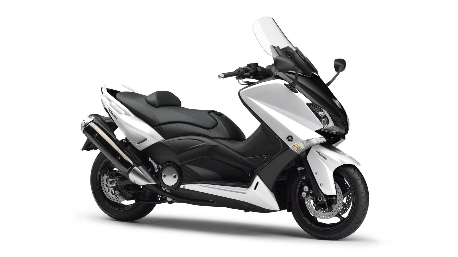 Yamaha tmax photo - 1