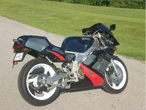 Yamaha tzr250 photo - 2