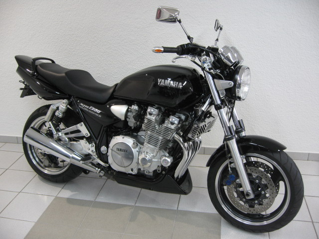 Yamaha xjr1300 photo - 2