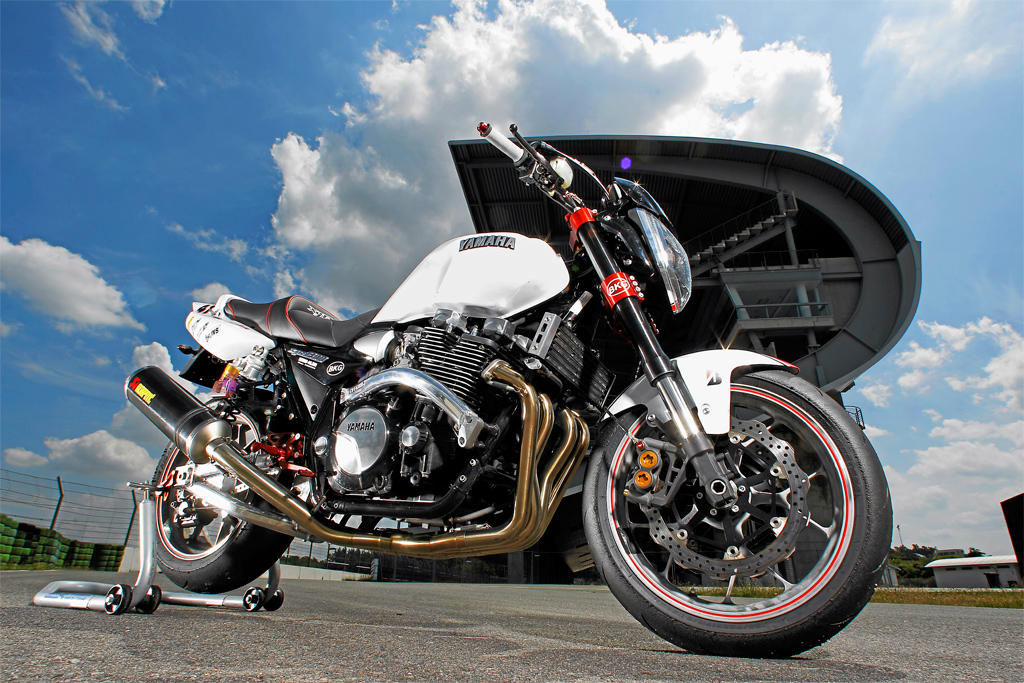 Yamaha xjr1300 photo - 4