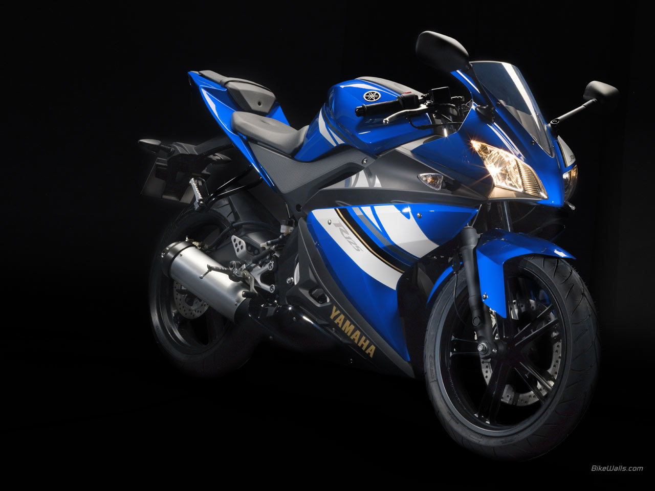 Yamaha yzf-r125 photo - 4